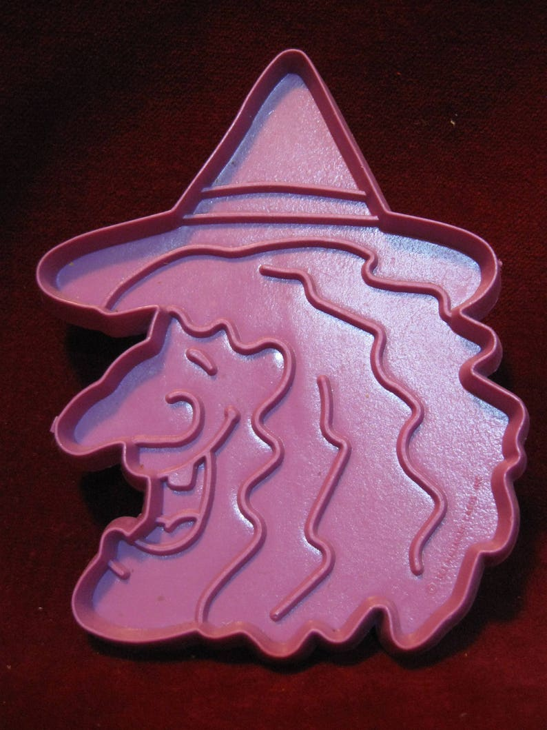 Purple Plastic Cookie Cutter Vintage 1983 Halloween Treats WITCH COOKIE CUTTER 4.5 Hallmark Cards Fall Autumn October Holiday Baking 1116