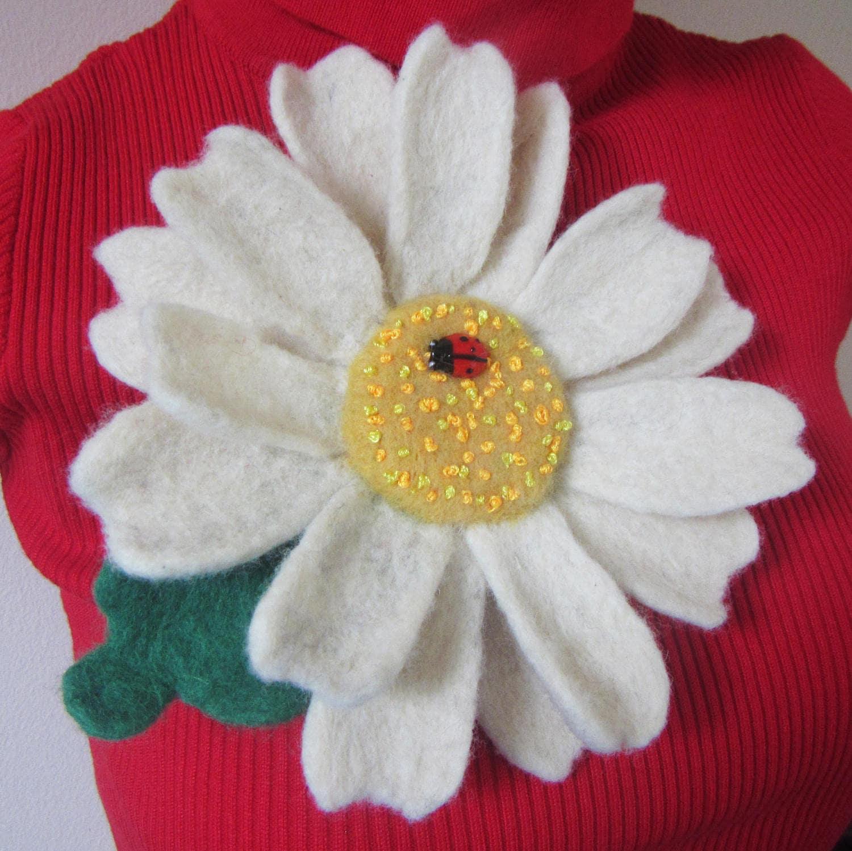 Daisy Felted Chamomile Brooch Felt Daisy Flower Corsage Pin Brooch