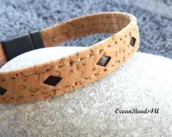 Cork Bracelet with Dark Brown Lozenges, Unisex Portuguese Cork Bracelet, Kork Armband, Vegan Bracelet