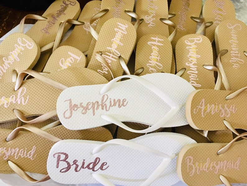 2be553f9422667 Bridal party Flip Flops Gold Bridal party Flip flops