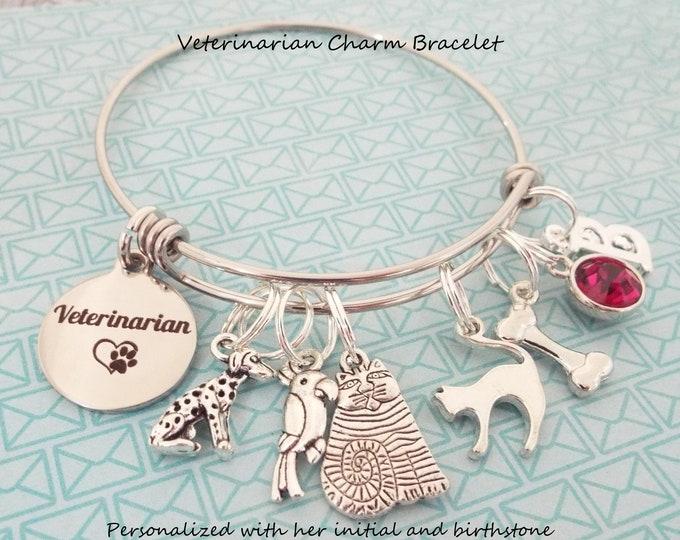 Personalized Veterinarian Bracelet, Graduation Charm Bracelet, Thank You Gift for Veterinarian, Gift for Her, Vet Gift, Custom Jewelry