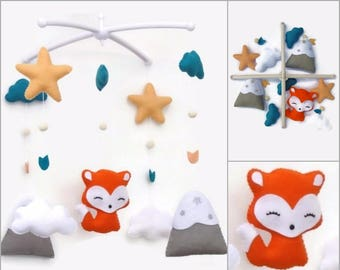 Baby mobile for nusery decor. Fox mobile baby decoration. Personalized nursery. Nursery customs. Baby shower gift
