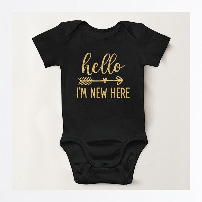 Hello I/'m new here bodysuit Baby shower gift Baby shower bodysuit Newborn bodysuit Hello I/'m New Here Infant Bodysuit Baby gift