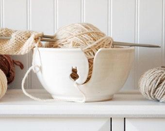White Cat Ceramic Yarn Bowl, knitting bowl, crochet bowl, knitting and crochet accessory, pottery yarn bowl, gift for knitters
