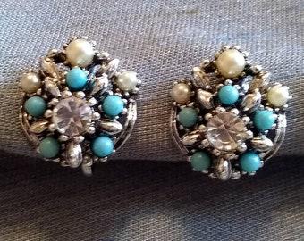 Something Old, Something Blue, Vintage Star Art Screwback Earrings