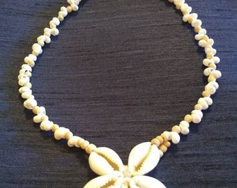 """Vintage  16.5"""" Shell Choker with Cowrie Shell Flower Medallion"""