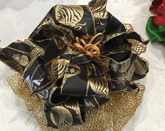 Christmas, Christmas bow, ribbon bow, ribbons, ribbon decor, Christmas decor, Christmas decor, wall decor, wreath decor, Holiday decor