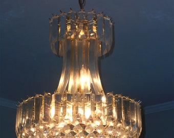 c2b578c535c0 Lucite chandelier