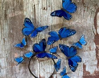 Blaue Derby Kopfstück, wilde blau dort drüben Schmetterling Fascinator, Kopfschmuck, Krone, Statement, Surreal, Stirnband, Mütze, Unikat
