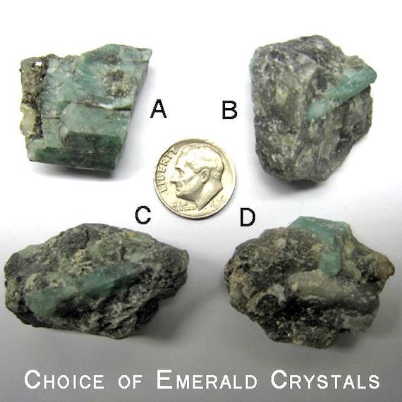 Raw Emerald Emerald mineral specimens tolpa Emerald healing stones Emerald Rough May birthstone EMERALD CRYSTALS in MATRIX