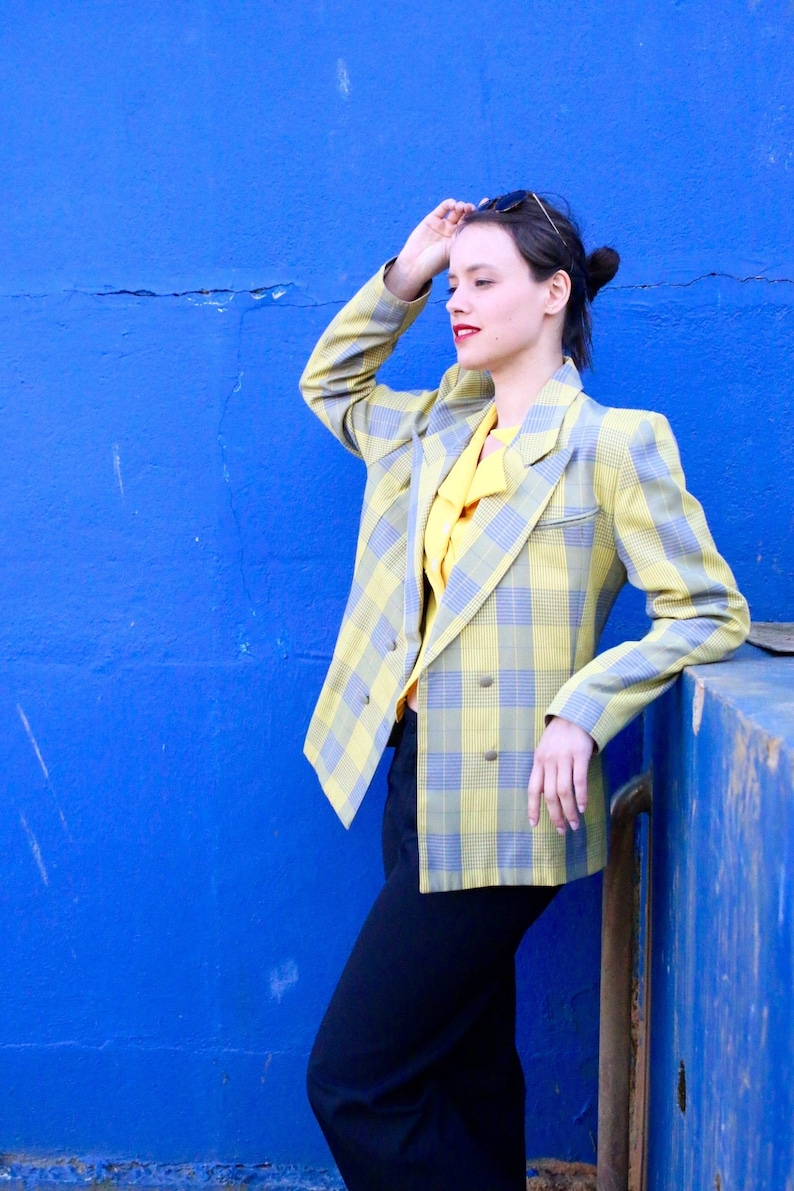 031b5cef9fec French Vintage 80 s yellow plaid tailored blazer  Summer