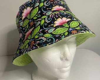 Lady's Bucket hat with Flowers - Reversible Bucket Hat