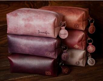 Makeup bag, wedding gift, bridesmaid gift, bachelorette party, womens travel bag, toiletry bag, cosmetic bag, leather makeup bag, leather