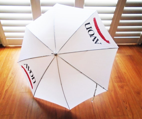 70s Avon Umbrella White w Red Handle Vintage Paras