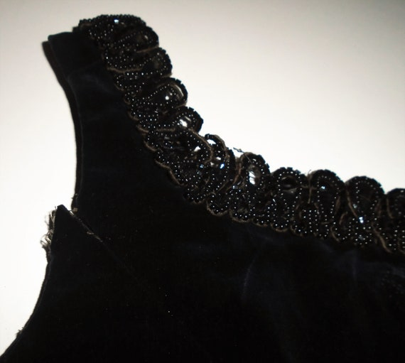 Victorian Corset Beaded Jet Black Velvet Lace Up … - image 9