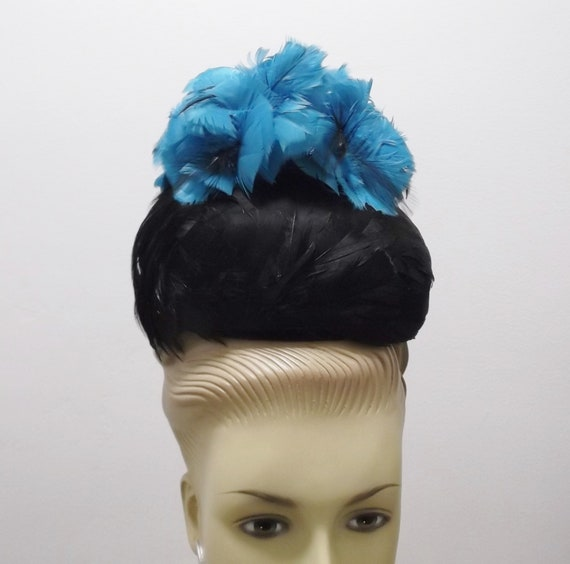 Vintage Hat 50s Blue and Black Feather Hat