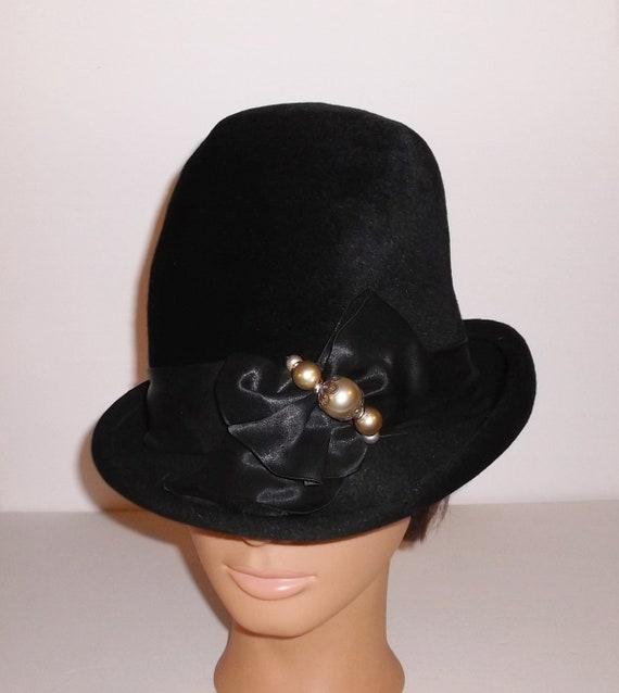 Vintage Black Hat 60s Velvet Hat