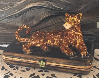 Vintage Bejeweled Animal Trinket Box3D Laying Leopard Figurine Jewelry BoxGold Foil and Enamel AccentsGemstone Magnetic ClosureExquisite