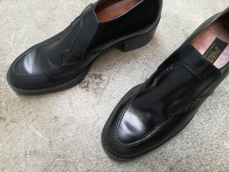 Vintage blok heel leather slip ons 1990 1980