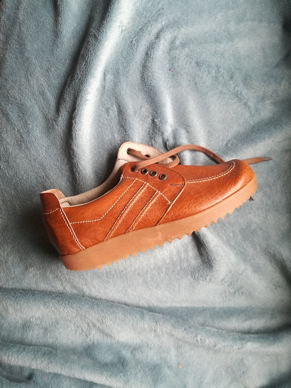 Deadstock vintage  lace leather shoes thick rubber