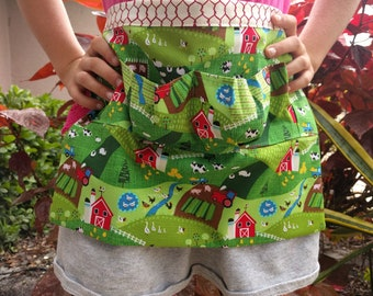 Egg Apron One Size Kids - Farm Collecting Harvesting Multi Purpose Apron in Cute Farm Chicken Print with Chicken Wire!