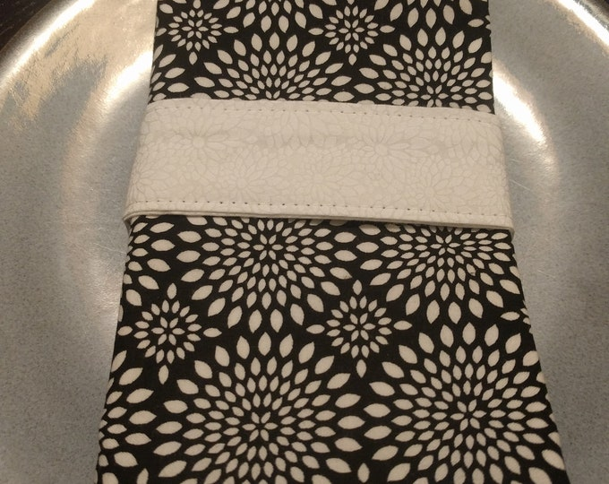 Black and White Dinner Napkin Set of 4 - Reversible Cloth Washable Double Sided - Starburst Black & White Backed with White Floral