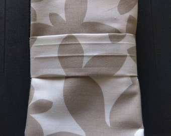 100% Cotton Reusable Washable Cloth Dinner Napkins - Beautiful Fabric in White and Grey Print (Sets of 4)