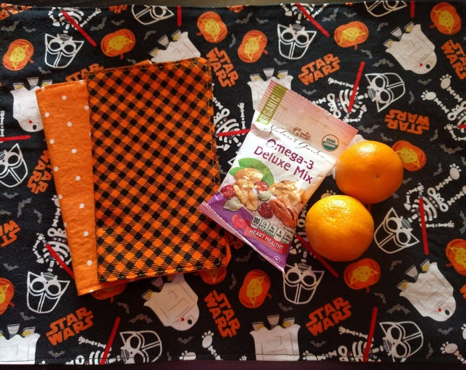 Star Wars Halloween Place Mat & Napkin Set - Reversible, Washable, Reusable (Includes  Coordinating Reversible Double Sided Napkin!!!)
