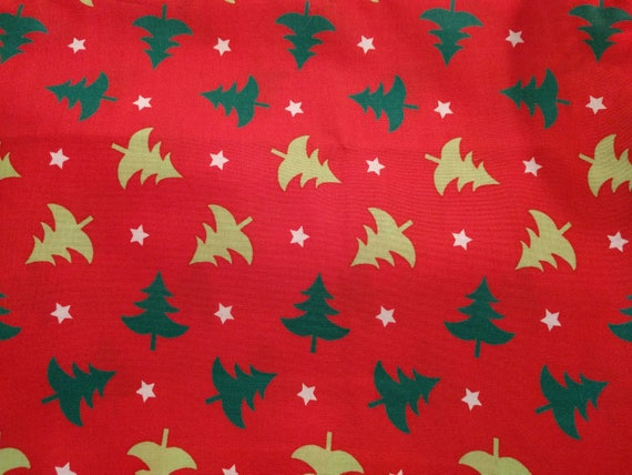 Christmas Red Dinner Napkins (Red With Light & Dark Green Christmas Trees) - 100 Percent Cotton Cloth Washable Single Sided - Set of 4