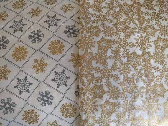 Christmas Winter Dinner Napkins (Gold & Silver) - 100 Percent Cotton Cloth Washable Double Sided - Set of 4