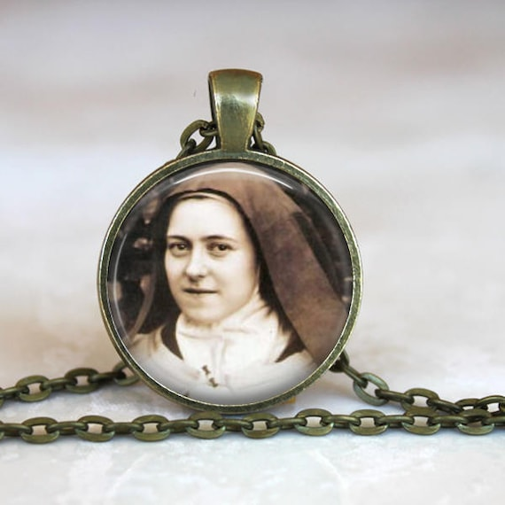Saint Therese the Little Flower Pendant with 24 inch chain - Patron Saint of the Sick, Florists,  Gardeners and Missionaries
