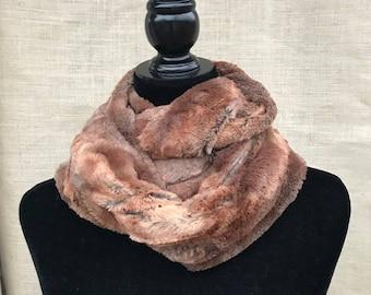 Rusty Fox Faux Fur, Cuddle fox fur, Copper Luxe Infinity scarf, infinity faux fox fur, winter infinity scarves, vogue styles, vogue patterns