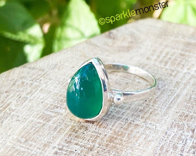 Verde Darling - sterling silver & Green Onyx ring, SIZE 6