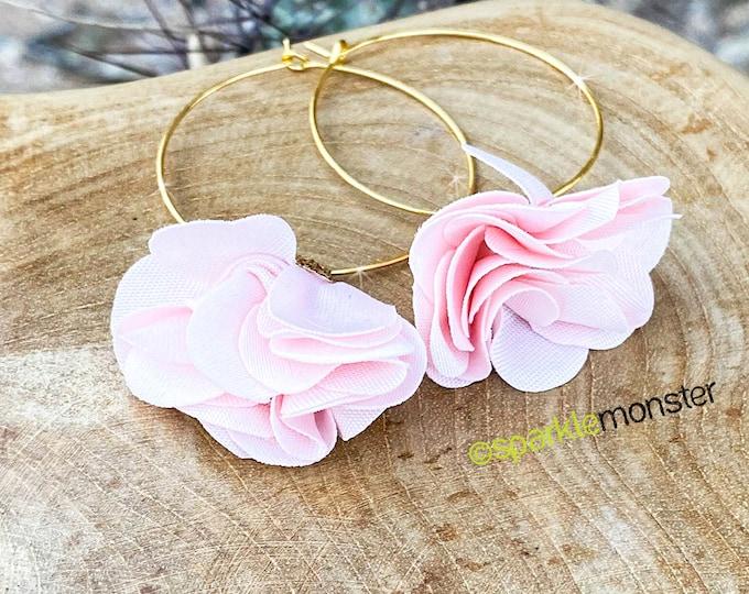 Antonette Earrings - light pink flowers