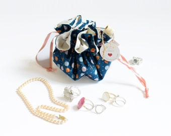 Drawstring jewelry duck blue and dots