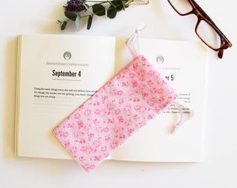 Etui à lunettes rose, étui souple, fleurs, étui à lunettes, rose fluo, pochette surprise, pochette cadeau, cadeau maîtresse, fête des mères