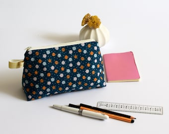 Stand up zipped pouch duck blue and dots