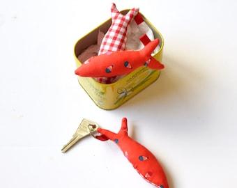 Porte clé poisson en tissu, porte clé, sardine, porte clé atsem, cadeau maîtresse, cadeau maître, poisson, rouge,  montgolfière, vichy
