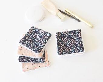 Lingettes démaquillantes bleu marine fleuries et rose graphiques, lingettes lavables, zéro déchet, lingette, carré démaquillant