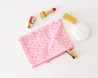 Pochette liberty, liberty rose, fleurs, trousse liberty, pochette maquillage, pour elle, pochette, rouge, fête des mères, cadeau maîtresse
