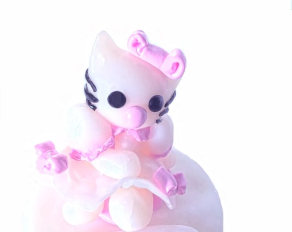 Hello Kitty inspiration kawaii figurine in fimo for deco table birthday cake baptism