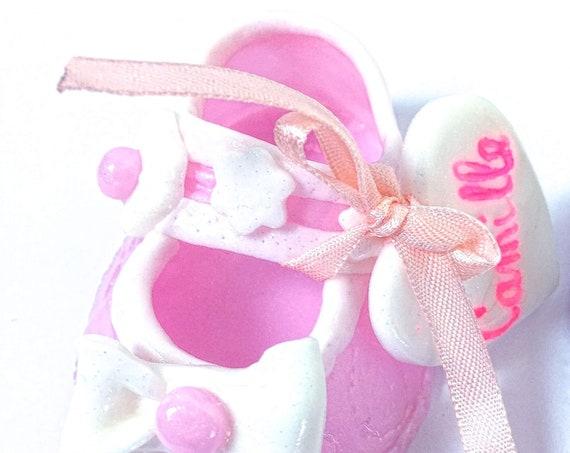 chaussures bébé en fimo annonce grossesse déco baby shower baptême