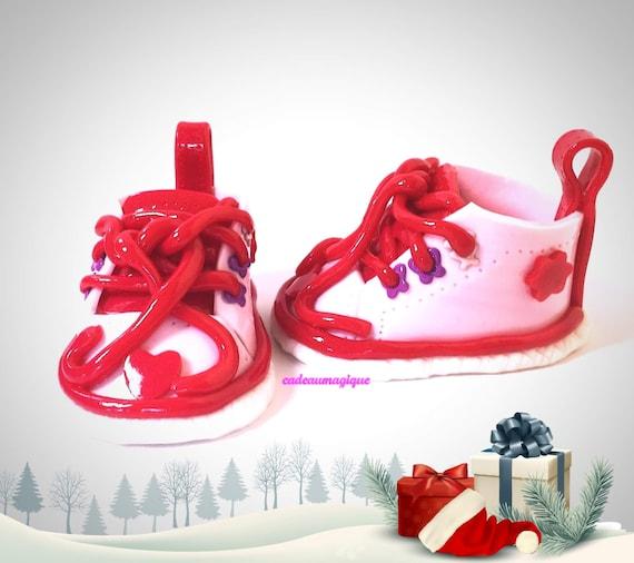 chaussure rose bébé fille en fimo cadeau de naissance personnalisé