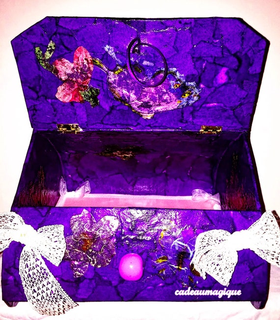 Heart-shaped cardboard box: romantic and glamorous deco box