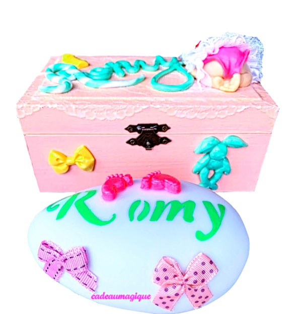 first name light in wood pink box: personalized birth gift
