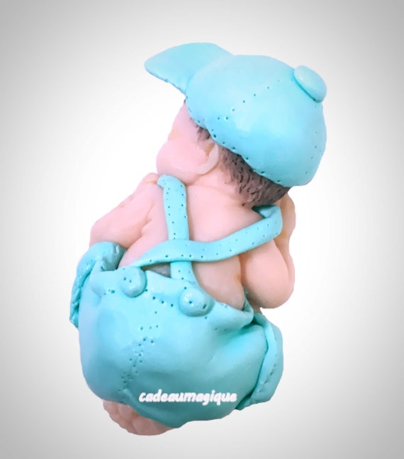 baby boy bermuda green cap in fimo baby shower decoration