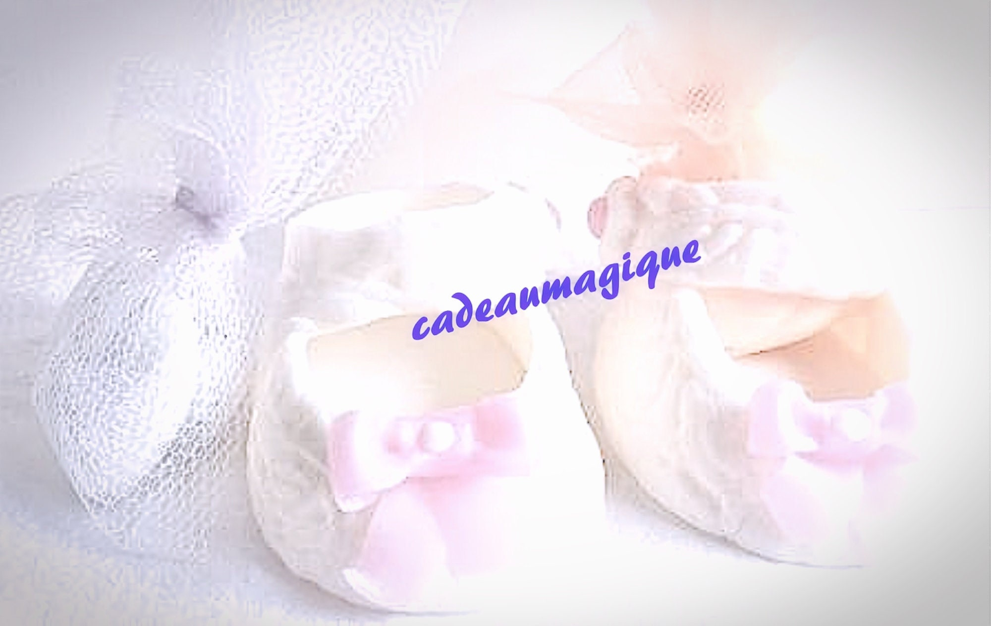 Idée Cadeau Baby Shower chaussure babies bébé fille personnalisé noeud rose