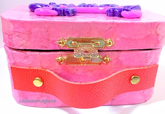 pink retro cardboard suitcase: girl's personalized gift idea