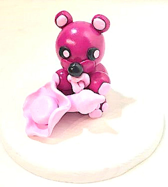 Small bear pink and fuchsia - Fimo - hat, pacifier, bottle - on round wood plate - Gifts birth, baptism - Deco table - deco room