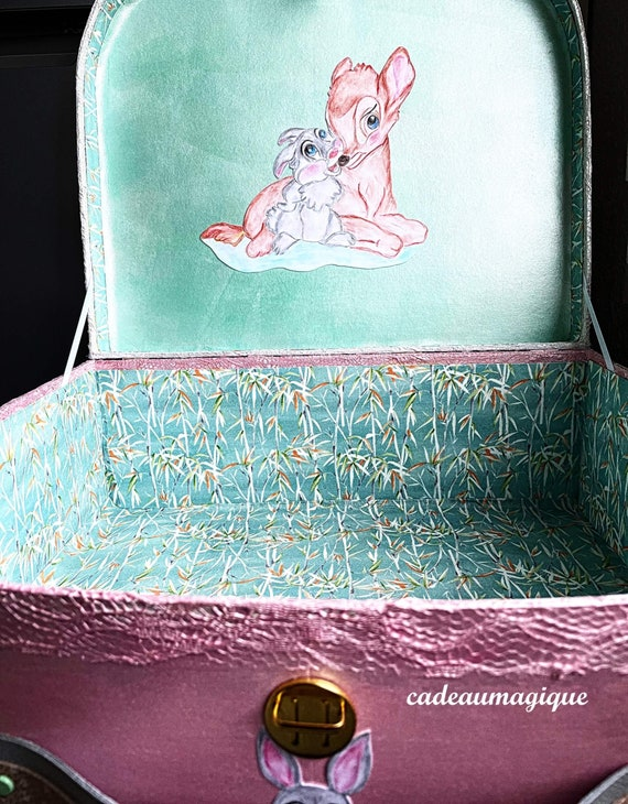 Large suitcase decorated fawn rabbit cardboard: personalized birth gift